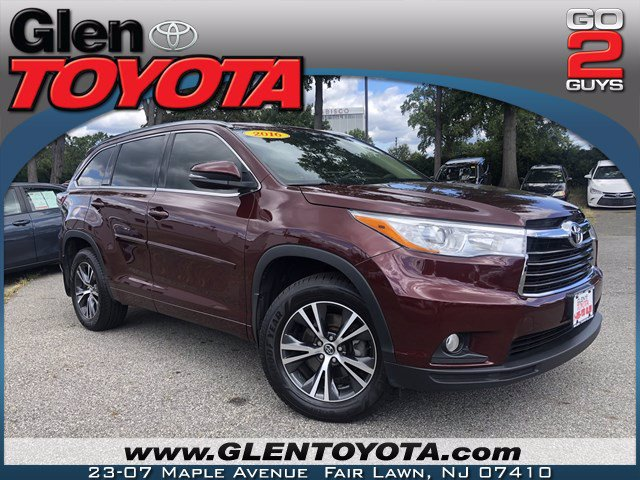 Pre-Owned 2016 Toyota Highlander XLE V6 AWD SUV