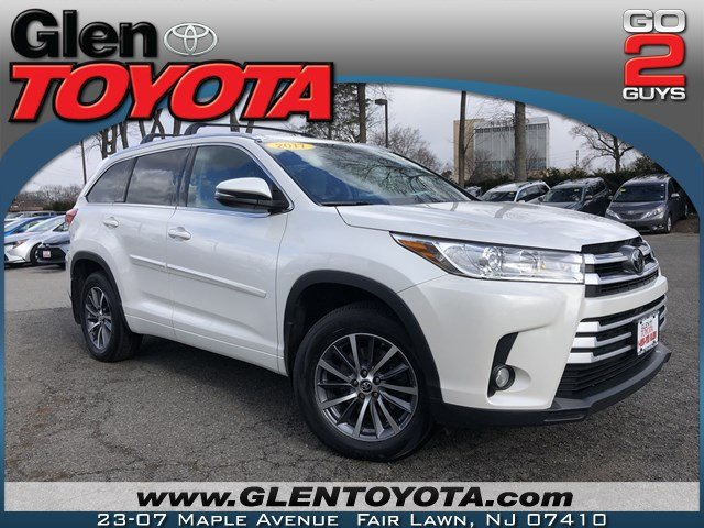 Certified Pre-Owned 2017 Toyota Highlander XLE V6 AWD SUV