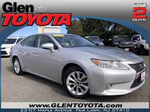 Pre-Owned 2015 Lexus ES 300h Hybrid 4-CYL SEDAN